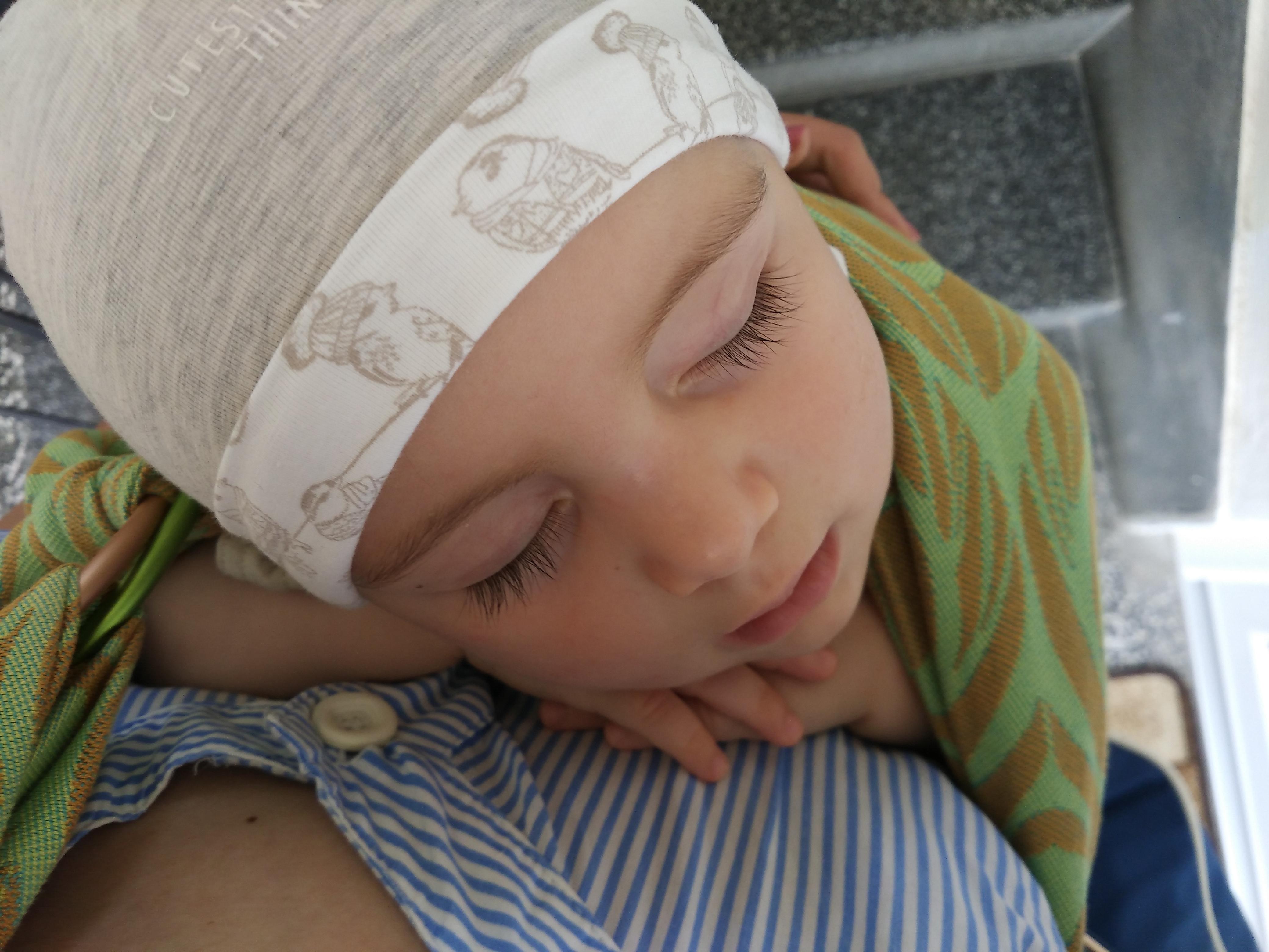 MOŽE LI SE BEBU NAUČITI SPAVATI? O treningu spavanja male djece iz kuta jedne neispavane mame psihologinje